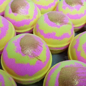 Cleopatras Love Bath Bomb